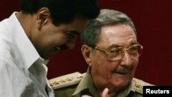 Castro despidió en la tarde del sábado a los presidentes Cristina Kirchner, de Argentina, y Ollanta Humala, de Perú y recibió a los dirigentes de Venezuela.
