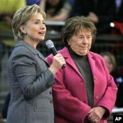 លោកស្រីរដ្ឋមន្រ្តីការបរទេសសហរដ្ឋអាមេរិក ហ៊ីលឡារី គ្លីនតុន (Hillary Clinton) (ស្តាំ) និងម្តាយរបស់លោកស្រី គឺលោកស្រី ដូរូស៊ី រ៉ដដាម (Dorothy Rodham) ពេលដែលលោកស្រីនៅមានជីវិត។