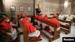 Папа Франциск и Почетный Папа Бенедикт XVI встретились с новыми кардиналами в Ватикане, 28 ноября, 2020 г.