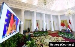 Suasana pertemuan virtual antara Presiden Joko Widodo dan Kanselir Jerman Angela Merkel, di Istana Bogor, Selasa, 13 April 2021. (Foto: Setneg)