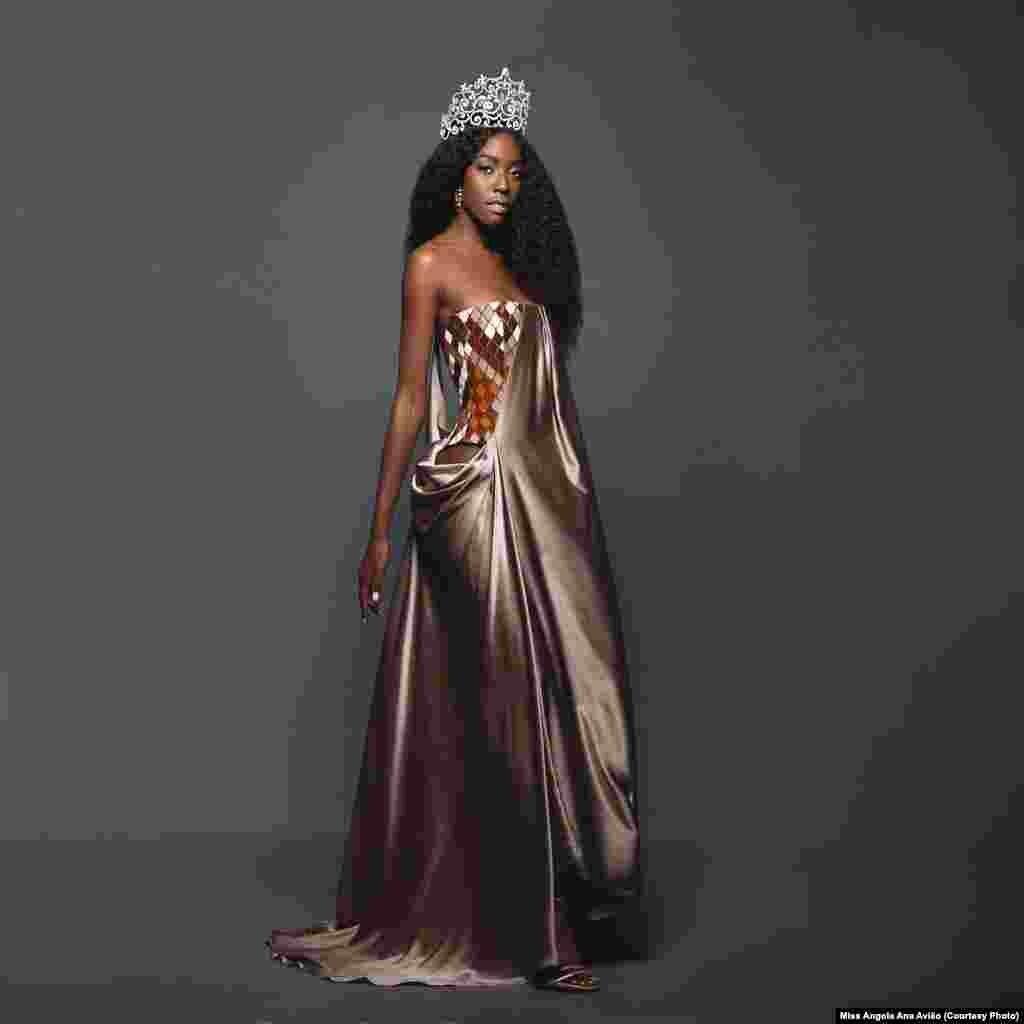 از جمله دیگر شرکت کنندگان دختر شایسته «آنا لیلیانا» از کشور آنگولا بود.