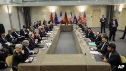30일 스위스 로잔에서 열린 이란 핵 협상에 미국, 영국, 러시아, 중국, 프랑스, 독일, 유럽연합 대표들이 참석했다.