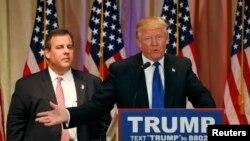 共和党推定总统候选人川普与新泽西州州长克里斯蒂在新闻发布会上