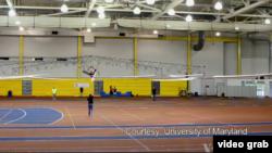 馬里蘭大學學生測試人力直升機