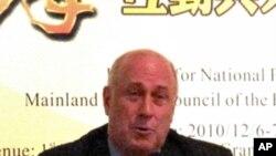 前美國在台協會台北辦事處處長包道格