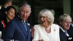 Putra mahkota Inggris Pangeran Charles bersama istrinya Camila, Duchess of Cornwall. (Foto: Dok)