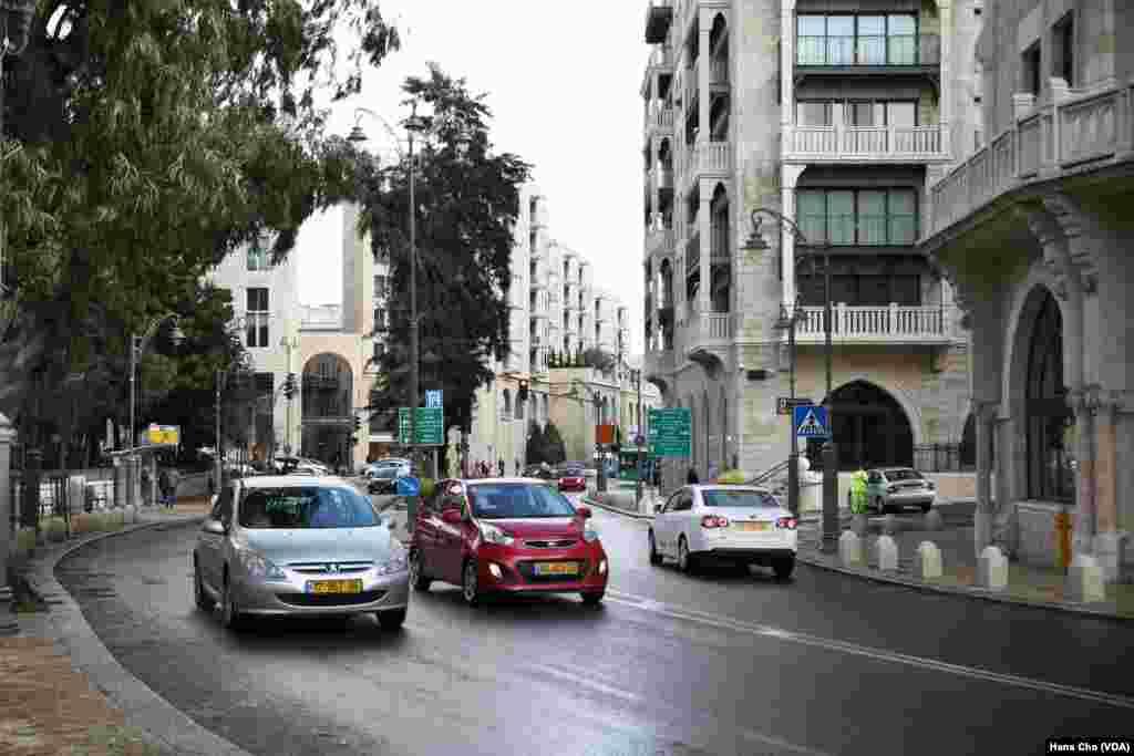 اورشلیم به روایت عکس |نمایی از خیابان «گرشون آگرون» که به نام شهردار اورشلیم در سالهای ۱۹۵۵ تا ۱۹۵۹ نامیده شده است.