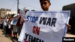 Anak-anak Yaman melakukan aksi unjuk rasa di ibukota Sanaa untuk menuntut dihentikannya perang di sana.