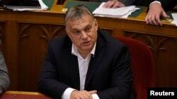 Macaristan Başbakanı Viktor Orban protestoların arkasında George Soros ve Açık Toplum Vakfı'nın olduğunu iddia ediyor