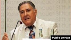 Dr. Kamal Sido