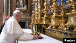 Кардинал Хорхе Марио Бергольо, избранный Папой Римским. Ватикан. 14 марта 2013 г.