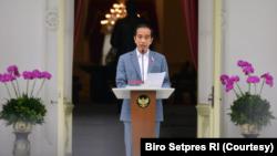 Presiden Jokowi dalam telekonferensi pers di Istana Merdeka, Jakarta, Selasa (16/2) yakin LPI bisa mendapatkan kepercayaan investor. (Foto: Courtesy/Biro Setpres)