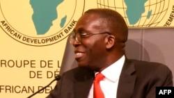 Ministre wa Yambo ya kala ya RDC, Augustin Matata Ponyo Mapon na likita lyoko na Dakar, Sénégal, 21 octobre 2015.