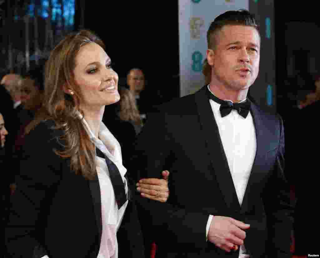 فلم' 12' ائیرز اے سلیو' برطانوی ہدایتکار اسٹیو میک کوئین نے بنائی ہے جس کے پروڈیوسر ہالی وڈ کے نامور اداکار بریڈ پٹ ہیں۔