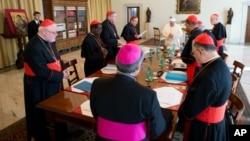 """Este martes se inició la primera ronda de conversaciones con el """"Grupo de los ocho"""" cardenales en el Vaticano."""