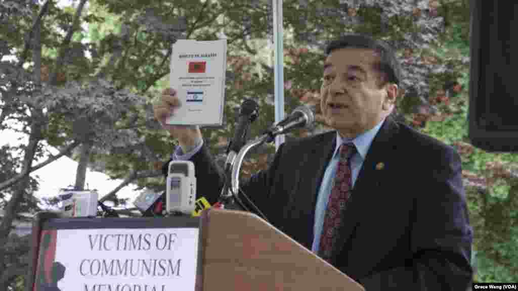 前国会众议员、阿尔巴尼亚裔美国人公民联盟主席乔.迪奥嘎蒂