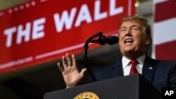 Tổng thống Donald Trump phát biểu ở Texas hôm 11/2.