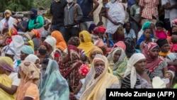 Cabo Delgado, famílias esperando chegada de familiares de Palma, porto de Pemba