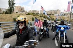 Motocilistas del club israelí Samson Riders celebran en las calles de Jerusalén.