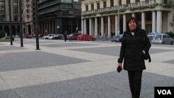 Jeantte Hernández y su esposo no pudieron regresar a Chile desde Uruguay por las cenizas volcánicas.