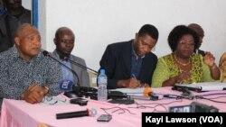 Des leaders de l'opposition en conférence de presse à Lomé, Togo, 16 août 2018. (VOA/Kayi Lawson)