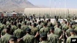 작전 지시를 듣는 아프간 주둔 캐나다 군 (자료사진)