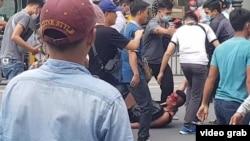 Will Nguyễn được cho là bị kéo le trong cuộc biểu tình.