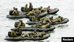 日本自衛隊5月22日進行一次登島軍事演習。