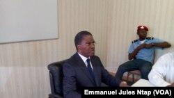 André Mama Fouda, ministre de la Santé publique du Cameroun à Yaoundé, le 18 décembre 2017. (VOA/ Emmanuel Jules Ntap)