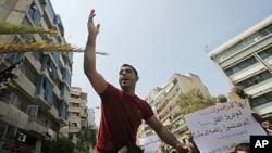 反對阿薩德群眾在示威。