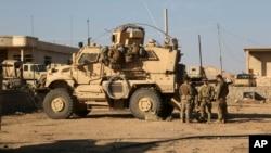 Tentara AS terlihat di pangkalan bersama AS-Irak di selatan Mosul (foto: ilustrasi).