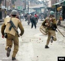 Warga Kashmir sejak lama menolak kehadiran pasukan India di wilayah mereka.