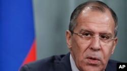 Ngoại trưởng Nga nói phi trường ở Ulyanovsk đáp ứng các quyền lợi của Nga qua việc giúp NATO thực hiện một cuộc triệt thoái có trật tự khỏi Afghanistan trước thời hạn chót là tháng 12 năm 2014