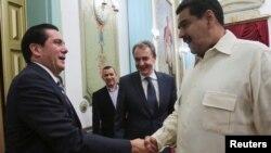 """Maduro calificó de """"bien buena"""" la iniciativa de los tres expresidentes de viajar a la OEA para conversar sobre la crisis venezolana."""