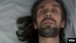 آرش صادقی، فعال مدنی زندانی در ایران مدتهاست از بیماری رنج می برد.