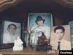 Foto-foto Wawan di rumah kediaman Sumarsih. (Photo: Maria Katarina Sumarsih)