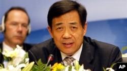 圖為擔任中國商務部長時的薄熙來資料照