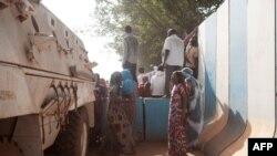 Manifestations devant le siège de la Minusca à Bangui en République centrafricaine le 11 avril 2018.