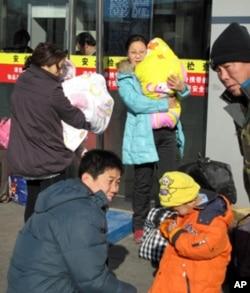北京西站景象-旅客