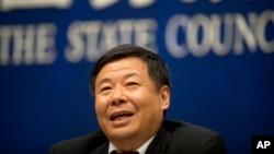 Thứ trưởng Tài chánh Zhu Guangyao phát biểu trong cuộc họp báo tại Văn phòng Thông tin Quốc Vụ Viện Trung quốc ngày 12/5/2017.