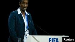 Lydia Nsekera donne un discours lors du 65e Congrès de la Fifa, à Zurich, en Suisse, le 29 mai 2015.