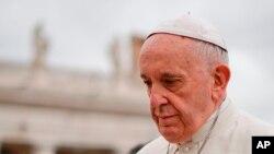 Papa Francisiko ashitse i St.Peter's Square i Vatican gushikiriza ijambo rya buri ndwi, itariki 11/04/2018.