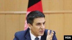 د افغانستان بانک ریس ښاغلي واحد نوشېر چې هم دې غونډه کې د افغانستان استازیتوب کاوه،
