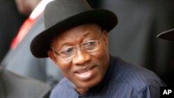 Le président nigérian Goodluck Jonathan est confronté à de nouvelles défection de députés du parti au pouvoir
