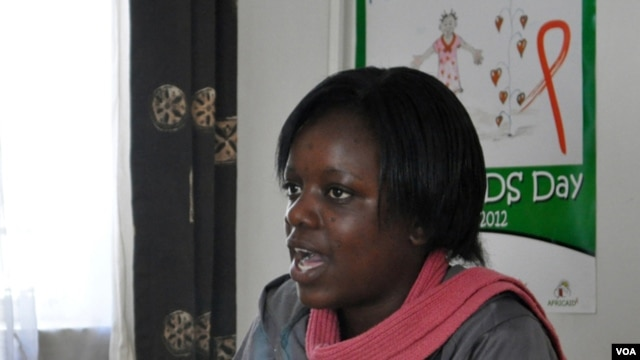 Volunteer AIDS peer counselor Loyce Maturu, Harare, Zimbabwe, June 2012. (S. Mhofu/VOA)