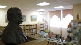 Rusia arreston drejtoren e bibliotekës ukrainase