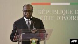 Marcel Amon-Tanoh, ministre des Affaires étrangères de Côte d'Ivoire. prononce un discours au palais présidentiel d'Abidjan le 2 octobre 2017 .