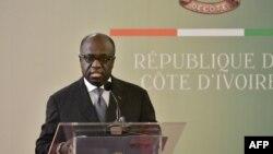 Marcel Amon-Tanoh, ancienministre des Affaires étrangères de Côte d'Ivoire. prononce un discours au palais présidentiel d'Abidjan le 2 octobre 2017 .