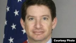 Cпециальный представитель по делам торговли и бизнеса в Госдепартаменте США Скотт Нэйтан. Photo from www.state.gov