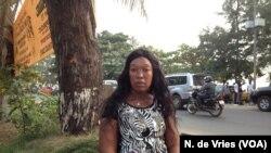 នាង Mariama Ndow ដែលត្រូវគេបង្ខំឲ្យធ្វើការនៅក្នុងផ្ទះនៅក្នុងប្រទេសគូវ៉ែត ស្ថិតនៅក្នុងប្រទេសកំណើតរបស់គាត់ក្នុងក្រុង Freetown ប្រទេសសៀរ៉ាឡែអូន កាលពីថ្ងៃទី២៧ ខែធ្នូ ឆ្នាំ២០១៧។